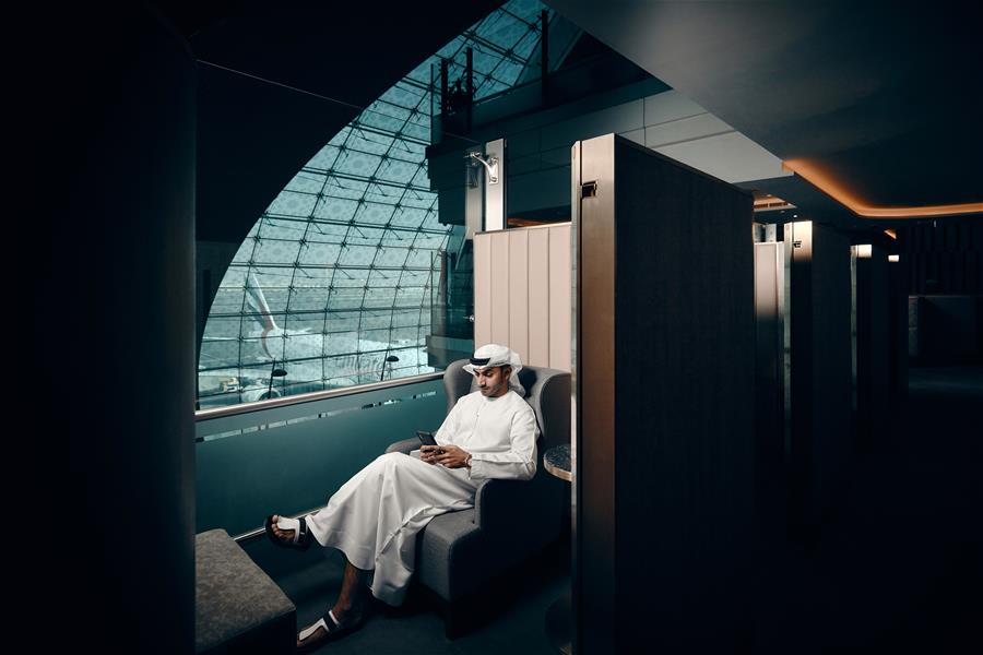 plaza-premium-lounge-dubai---first-class-cabin-like-space-with-sliding-door
